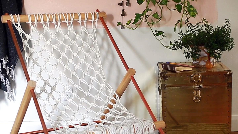 Mandi s macram hammock chair fearless diy the design for Diy macrame hammock